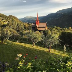 What a beautiful summer eve at the idyllic Ringebu Stave Church in #gudbrandsdalen : @martinonsumberg #visitosloregion