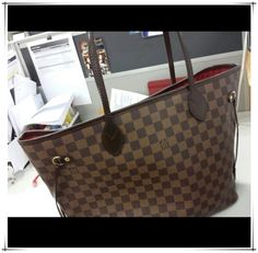 Neverfull Handbag Just $232.99.OMG!! Holy cow, I'm gonna love this site! #Louis #Vuitton #Handbags #Style