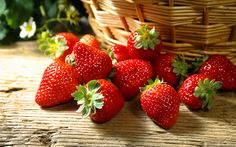 Wallpapers Of The Day: Strawberry Background Strawberry Kitchen, Strawberry Fruit, Strawberry Fields, Strawberries, Strawberry Shortcake, Strawberry Pictures, Strawberry Background, Flavored Milk, Beautiful Fruits