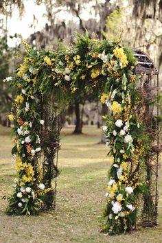 wedding-ceremony-ideas-11-92313 - full arch