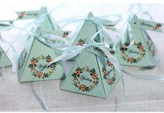 Azul ClaroColor de RosaPúrpura Caja de Dulces de La Boda Guirnalda de Flores Con La Cinta BRICOLAJE Tarjeta De Regalo de Dulces Especiales Fuentes Del Partido caja