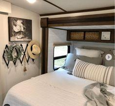 Rv Interior Remodel, Travel Trailer Camping, Rv Travel, Trailer Remodel, Trailer Diy, Rv Homes, Camper Makeover, Remodeled Campers, Rv Living