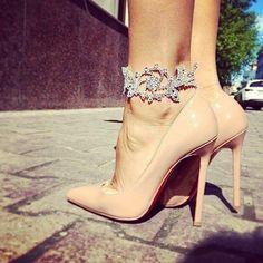 Image via We Heart It https://weheartit.com/entry/144446153/via/26498179 #beautiful #black #cute #heels #pink #sexy #shoes #white