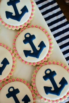 Nautical cookies: party favors for a shower Anchor Cookies, Anchor Cupcakes, Navy Cupcakes, Nautical Party, Nautical Wedding, Nautical Anchor, Cute Cookies, Sugar Cookies, Baby Cookies