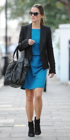 SEPTEMBER 18, 2011 Pippa hit the streets of London in a turquoise sheath and black blazer, which she edged up with a studded Tabitha bag and black booties.
