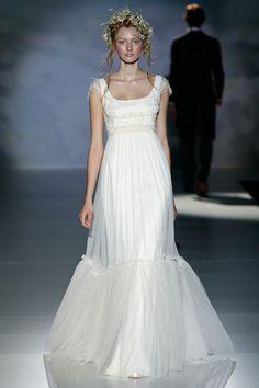 Aires románticos en la en la nueva colección de vestidos para Novias de Victorio & Lucchino.