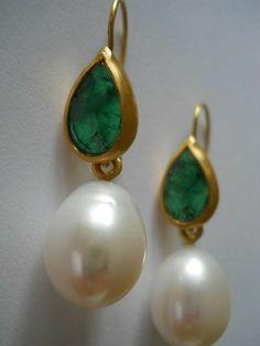 Exquisite Jewelry diy earrings,Jewelry necklace kundan and Beautiful jewelry stones. Emerald Jewelry, Turquoise Jewelry, Pearl Jewelry, Antique Jewelry, Silver Jewelry, Pearl Earrings, Silver Ring, Silver Earrings, Jewelry Rings