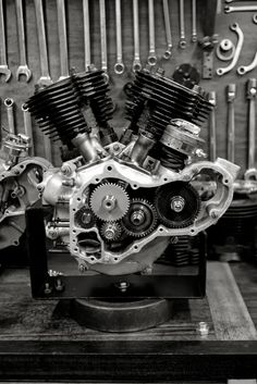 """Gear heads"" love this stuff. Vintage Bikes, Vintage Motorcycles, Custom Motorcycles, Moto Scrambler, Scrambler Custom, Motor Engine, Motorcycle Engine, Mechanical Art, Mechanical Engineering"