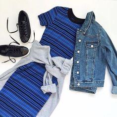 Weekend vibes: striped dress, denim jacket & sneakers
