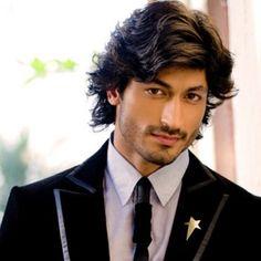 Actor Vidyut Jamwal... Ooh la la!