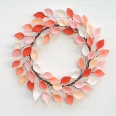 Artículos similares a Extra Large Coral, Peach, and Ivory Felt Leaf Wreath - Wool Felt Modern Wreath - Total Diameter - Made to Order en Etsy Felt Wreath, Felt Garland, Wreath Crafts, Tissue Paper Flowers, Felt Flowers, Felt Diy, Handmade Felt, Fall Felt Crafts, Primitive Doll Patterns