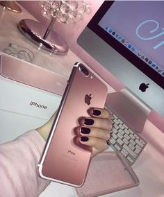 Find images and videos about pink, nails and iphone on We Heart It - the app to get lost in what you love. Coque Iphone 6, Pink Iphone, Iphone Phone, Iphone Cases, Iphone 7 Rose Gold, Iphone 8 Wallpaper, Apple Iphone, Rose Gold Aesthetic, Telephone Iphone