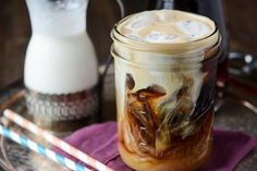 Vanilla cinnamon iced coffee ( batch lasts a week & its super duper easy! ) i didnt use a whole vanilla bean. Cinnamon Syrup, Vanilla Syrup, Cinnamon Coffee, Blended Coffee, Iced Coffee, Espresso Coffee, Italian Espresso, Coffee Creamer, Coffee Maker