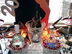 Setting the Mood: 007 James Bond Buffet James Bond Party, James Bond Theme, New York Theme Party, Prom Decor, Fashion Network, Skyfall, Event Organization, Party Themes, Party Ideas