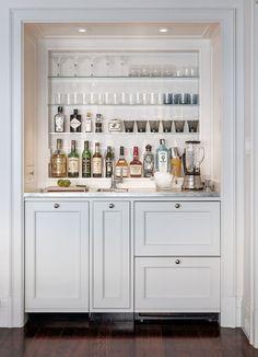 schöne einbaute Bar