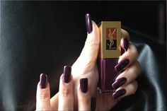 Yves Saint Laurent Nail Polish – La Laque – Black Tulipe – dark purple color