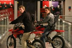 Douglas Henshall and James Murray in Primeval Ben Mansfield, Primeval New World, Douglas Henshall, Classic Series, Event Photos, Picture Photo, Behind The Scenes, Movie Tv