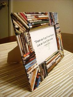 17 Ways To Transform Old Magazines Into Other Amazing Stuffs - HomelySmart Recycled Magazine Crafts, Recycled Paper Crafts, Recycled Magazines, Newspaper Crafts, Old Magazines, Recycled Crafts, Diy And Crafts, Recycled Materials, Decor Crafts