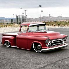 Chevy Trucks Lowered, Chevy Pickup Trucks, Chevy Pickups, Gmc Trucks, Nfl Super Bowl History, Chevrolet 3100, Panel Truck, 32 Ford, Bike Photo