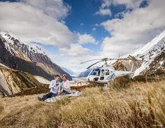 Not photoshopped, this could be you! #traveldue #NewZealand #queenstown #picniconapeak