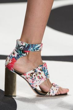 Nicole Miller at New York Spring 2015 (Details)