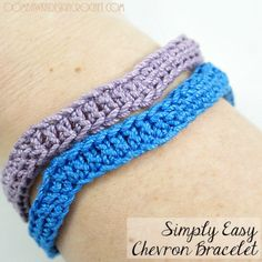 Looking for a quick & easy project? Try this free pattern for a chevron crochet bracelet - it makes a great gift or a lovely accent to your summer outfit.