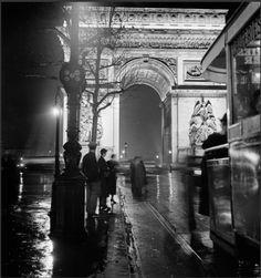 """"""" Roger Schall  Les Champs-Elysées - Paris 1930s  """""""