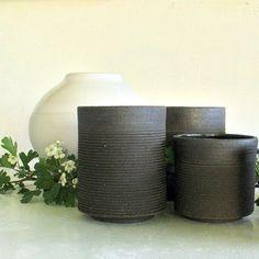 Mug. Mugs . Mug grès noir. Mug grès chamotté. Tasse. Mug noir mat.