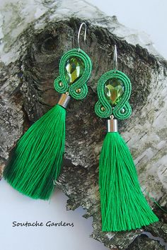 Soutache earrings Soutache Earrings, Diy Earrings, Tassel Earrings, Earrings Handmade, Earring Trends, Hair Reference, Tassel Jewelry, Homemade Jewelry, How To Make Beads