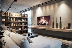 #einrichtung #interiordesign #raumgestaltung #klassisch #elegant #gemütlich #wohnzimmer #sofa #loungesofa #relaxsofa Interiordesign, Elegant, Couch, Classic, Furniture, Home Decor, Houses, Facades, Classic Sofa