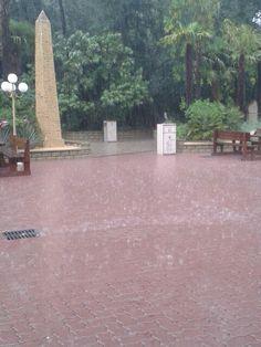 ...no non piove...diluvia!!!!! ;)