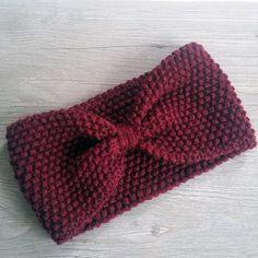 af44a2e04d53 Headband tricoté à la main Chaussures De Bébé En Tricot, Tricot Headband,  Tutos Tricot