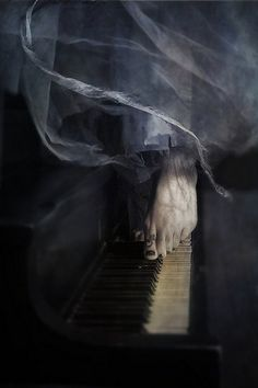 Soyouthinkyoucandance piano piano Pina baush