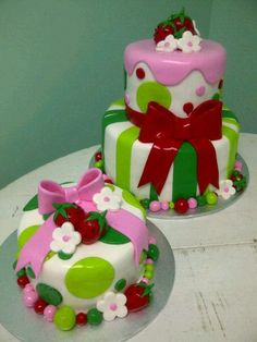Strawberry Shortcake birthday cake with a matching smash cake.