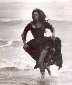 "Sophia Loren - In the film ""Schöne Isabella"" (More Than a Miracle / C'era una volta) 1967 ★"