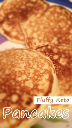 Fluffy Keto Pancakes These fluffy, tasty pancakes are super easy. Serve with plenty of butter and your favorite sugar-free syrup. Fluffy Keto Pancakes - You must try this Keto Foods, Keto Snacks, Keto Desserts, Ketogenic Recipes, Low Carb Breakfast, Breakfast Recipes, Breakfast Ideas, Breakfast Hash, Breakfast Gravy