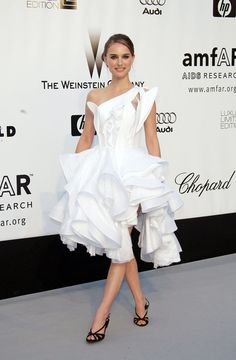 Natalie Portman in beautiful white Givenchy gown at the 2008 Cannes Film Festival.  Amazing dress!