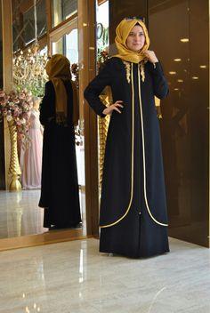 Banu Begüm 💫💫 Balack Yellow Ferace 250 tl or 90 Dolar Information and order… Muslim Hijab, Muslim Dress, Hijab Dress, Hijab Outfit, Abaya Fashion, Muslim Fashion, Modest Fashion, Hijab Turkish, Abaya Designs
