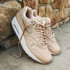 Super Precio  109 Nike Air Max 1 Wmns Premium Gold Fishscale Size Wmns -  Precio 0a30612a3