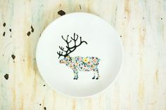 Hand painted porcelain plate wildflower dear by roootreee on Etsy Pottery Painting, Ceramic Painting, Ceramic Teapots, Ceramic Pottery, White Porcelain, Painted Porcelain, Hand Painted Ceramics, Wild Flowers, Tea Pots