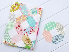 Those dreaded inset seams. Let's demystify this traditional patchwork block! Kansas Dugout Quilt BlockTo...