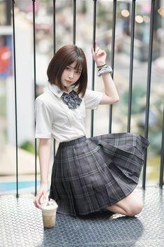 School Uniform Girls, Girls Uniforms, Figure Poses, Cute Korean Girl, Japan Girl, Korean Street Fashion, Female Poses, Beautiful Asian Women, Asian Woman