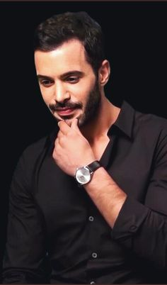 Turkish Men, Turkish Actors, Elcin Sangu, Birthday Quotes For Best Friend, Black White Photos, Celebs, Celebrities, No One Loves Me, Barista