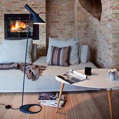urbnite: AJ Floor Lamp by Arne Jacobsen - The Black Workshop Arne Jacobsen Lampe, Beautiful Interior Design, Beautiful Interiors, Blueberry Home, Berlin Design, Scandinavia Design, Deco Originale, Standard Lamps, Arquitetura