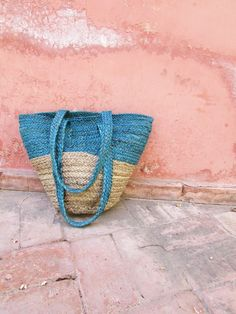 A collection of timeless hand-dyed indigo colour clothing, accessories and textiles for everyday wear. Crafted with eco-friendly and sustainable beliefs. Jute Tote Bags, Denim Tote Bags, Uk Fashion, Ethical Fashion, The Beach People, Indigo Colour, Shibori, Bag Accessories, Sustainable Living