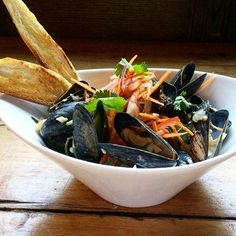 NEW on the Brooklyn Winery wine bar menu: Mussels in Red Curry sauce with coconut milk & grilled baguette!!