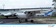 #FelizLunes , a iniciar la semana con el mejor de los ánimos !! Nosotros estamos listos para segur preparando a los futuros pilotos del #Ecuador   Quieres ser #piloto?    info@skyecuador.com 04-6008250 www.skyecuador.com o ( 0969063172 solo WhatsApp )