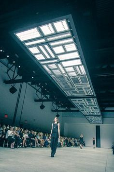Welcome to Karlie's: The Supermodel Teams Up With Frame Denim for an Empire… Hall Design, Stage Design, Event Design, Mode Stage, Catwalk Design, Architectural Lighting Design, Fashion Runway Show, Lighting Concepts, Stage Set