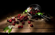 Cherries, still life, red, natura morta, Caravaggio Simona Rizzo Photography   Fotografa matrimoni, still life, food, people, children