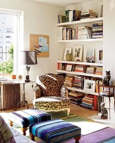 Meow mix. {Home of and @isaacmizrahi, 📷 by Jason Schmidt via @archdigest} #interiorinspiration #livingroom